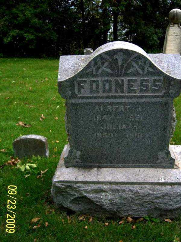 fodness_albert_julia_headstone.jpg