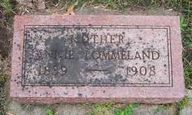 lommeland_annie_mother_headstone.jpg
