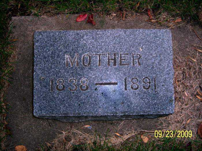 lundeberg_mother_headstone.jpg